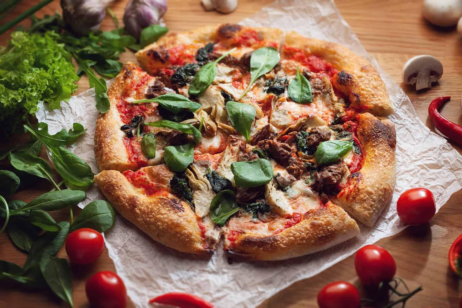 Kendermagliszttel készült kérges pizza